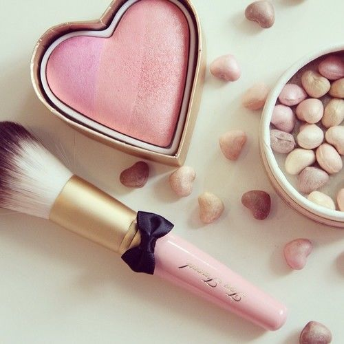 239996-Heart-Blush-And-Makeup-Brush