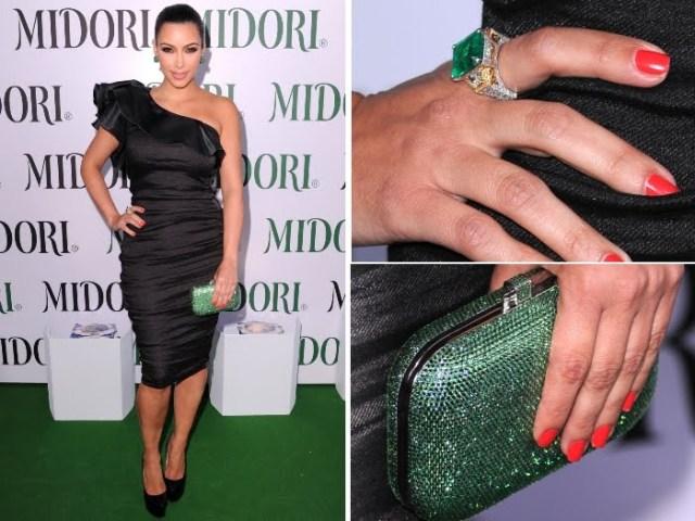 kim Kardashian - 10 May 2011 - preto e verde